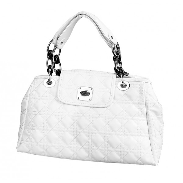 white-luxurious-quilted-handbag